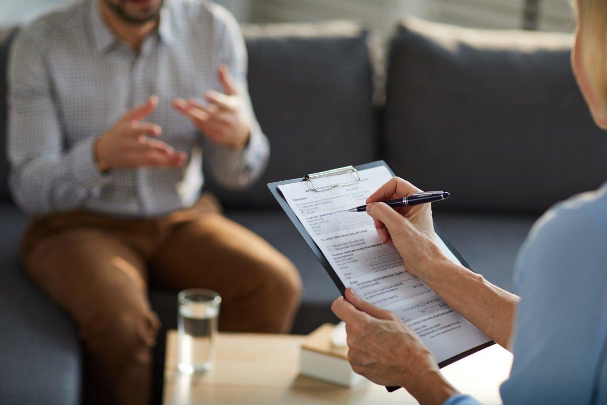 Jak wygląda pierwsza wizyta u psychologa?