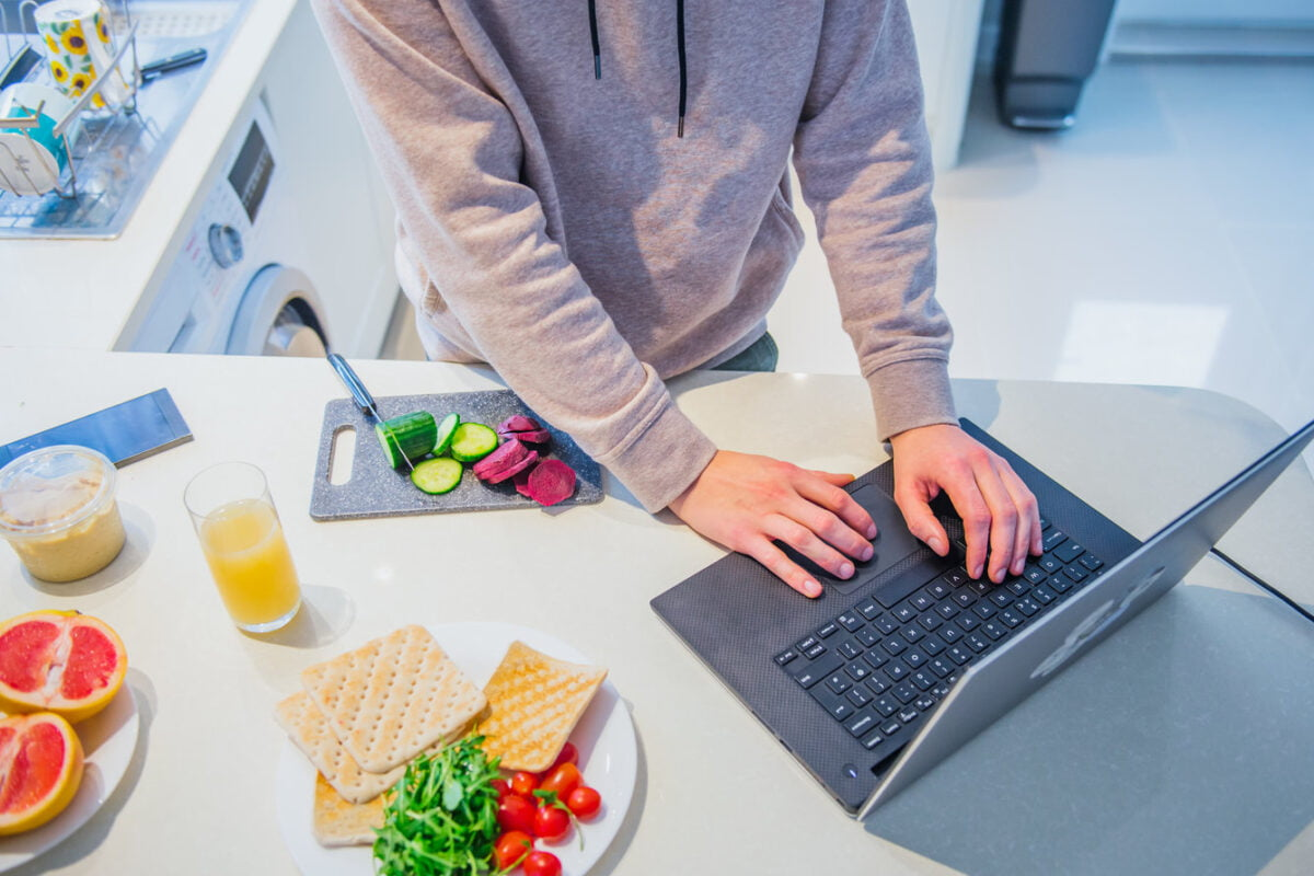 Eat Healthy While Working From Home